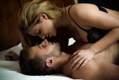 Póster Mujer seduciendo a hombre