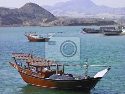 Nave de madera vieja en el puerto de Sur, Sultanato de Omán