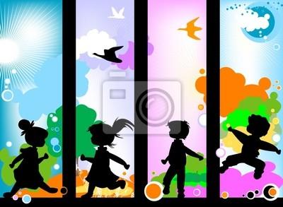 niños siluetas contra un cielo soleado