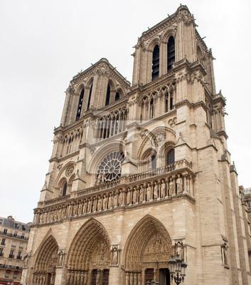 Notre Dame Cathedral Facade en París