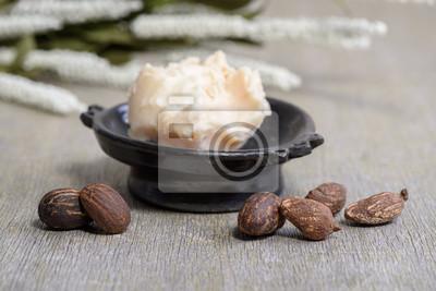 Nueces de manteca de karité y manteca de karité