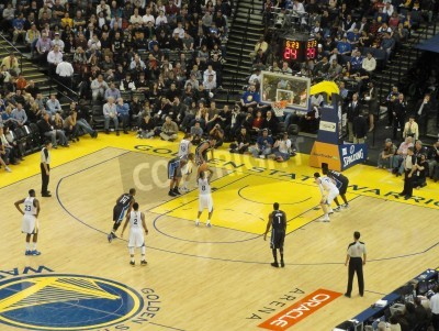 Póster OAKLAND CA - MARCH 11: Magic vs. Warriors: Golden State Warriors Stephen Curry takes free throw shoot at Oracle Arena taken March 11 2011 Oakland California.
