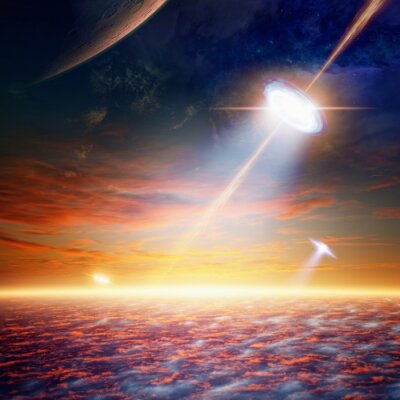 Póster OVNI en el cielo