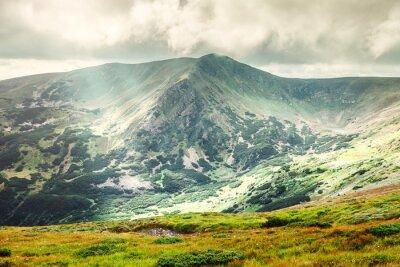 Póster Paisaje de montaña en verano