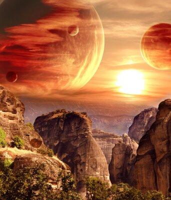 Póster Paisaje fantástico con el planeta, las montañas, la puesta de sol