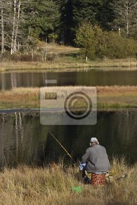 Pecheur sur le lac