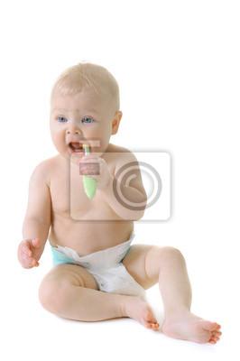 Pequeño bebé con la dentición cepillo