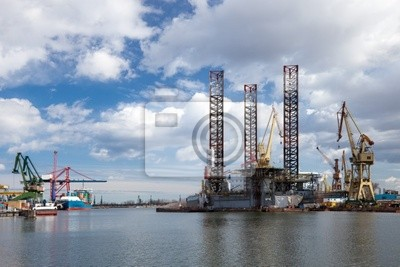 Plataforma petrolera en el astillero
