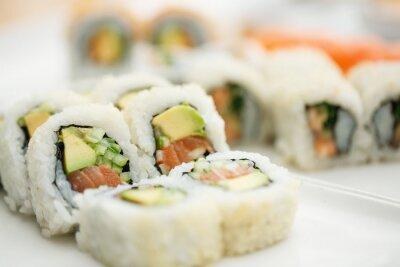 Póster Plato de sushi con palillos