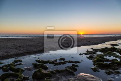 Puesta de sol sobre el mar en Playa Santana, Nicaragua