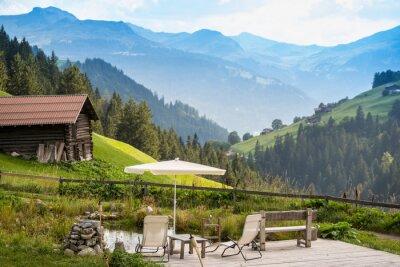 Póster Punto de relajación pintoresco para relajarse en los Alpes