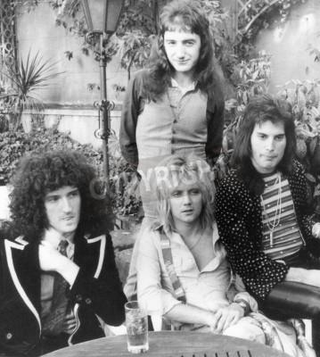 Póster QUEEN - grupo del Reino Unido en 1976 de l Brian May, Roger Taylor, John Deacon y Freddie Mercury