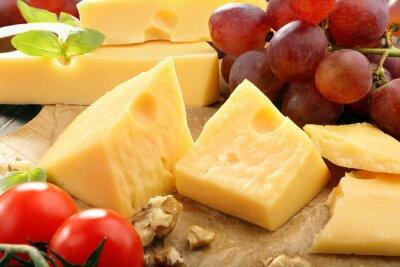 Póster Queso amarillo en la composición de quesos