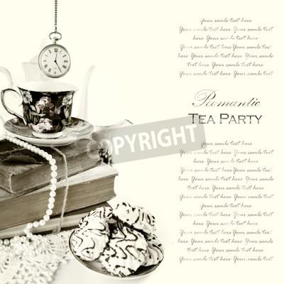 Póster Romántica inglesa 5:00 fiesta de té de fondo con el reloj de bolsillo de cosecha y dulces