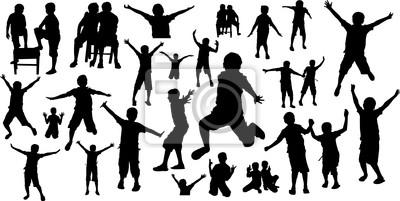 Siluetas de niños felices