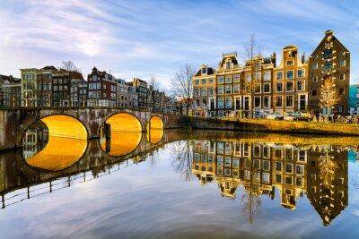 Póster Soleado por la mañana en Amsterdam, Países Bajos