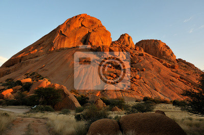 Spitzkoppe en Namibia al atardecer