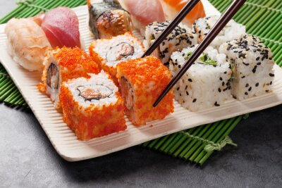 Póster Sushi y set de makis