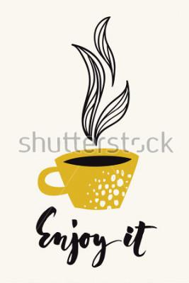 Póster Tarjeta de caligrafía de otoño con taza de café o té. Disfrútalo texto caligráfico. Diseño abstracto del vector Póster o tarjeta a color diseñado para todo tipo de medios impresos. Color dorado.