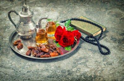 Póster Té y rosa roja flor, corán libro sagrado y el rosario. Ramadán kar