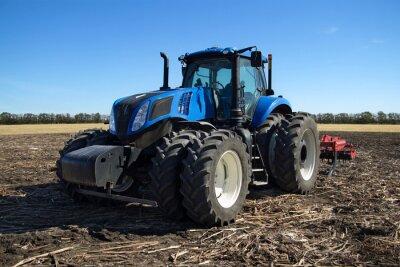 Póster Tractor azul con arado