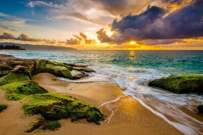 Póster Una hermosa puesta de sol hawaiana