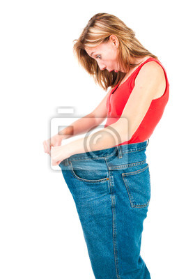 Una mujer joven delgada hace buena dieta