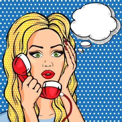 Póster Vector de la mujer sorprendida en el teléfono con la burbuja de pensamiento, estilo pop art cómic vector