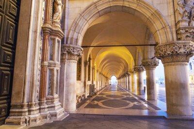 Póster Venezia, colonnato di Piazza San Marco.