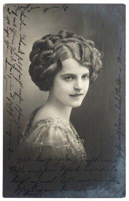 Póster vieja foto sepia de la mujer joven