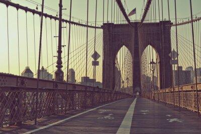 Póster Vista a lo largo de la pasarela peatonal, puente de Brooklyn