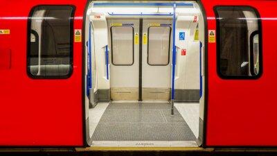 Póster Vista interior del Metro de Londres, la estación de metro
