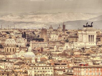 Póster Vista panorámica de Roma sobre el fondo de las montañas. Foto entonada retro