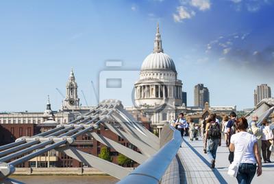 Vistas a la Catedral de San Pablo por el Puente del Milenio, Londres