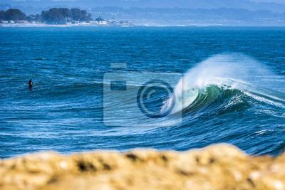 Waves and sunset in Santa Cruz, Califórnia