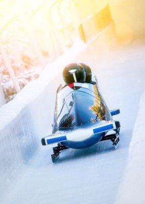 Póster Wintersport - Zweierbob im Eiskanal