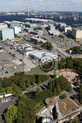 横 浜 山下 公園 と 山下 埠頭