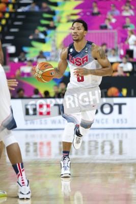 Póster Derrick Rose del equipo de los EEUU en la acción en el partido de baloncesto de la taza de mundo de FIBA entre los EEUU y México, puntuación final 86-63, el 6 de septiembre de 2014, en Barcelona, 