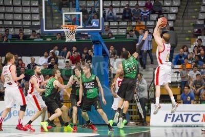 Póster Michael Roll de Zaragoza en acción en el partido de la Liga Española de Baloncesto entre el Joventut y CAI Zaragoza, cuenta final 82-57, el 13 de abril de 2014, en Badalona, España