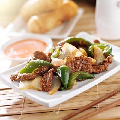 Vinilo Alimento chino - carne de vaca de la pimienta en el restaurante