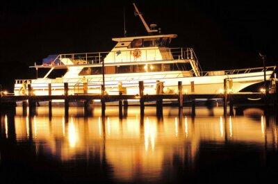 Vinilo Barco en la noche / barco y la reflexión en Júpiter, Florida