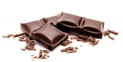Vinilo Barras de chocolate oscuro con pila de migas aislados en un blanco