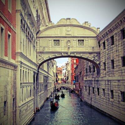 Vinilo Bridge of sighs in Venice with gondolas