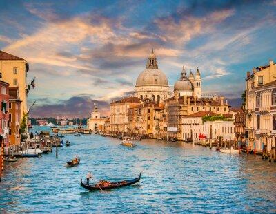 Vinilo Canal Grande con Santa María Della Saludo al atardecer, Venecia, Italia