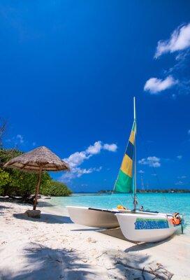 Vinilo Catamarán sobre una maravillosa playa tropical