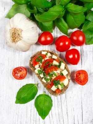 Vinilo Ciabatta pan con tomates, mozzarella y albahaca.