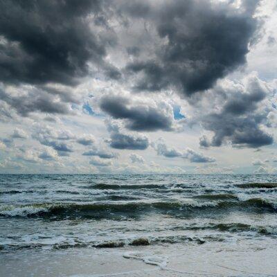 Vinilo Cielo tempestuoso sobre el mar oscuro