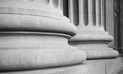 Vinilo Columnas arquitectónicas en un buuilding Federal Clásico