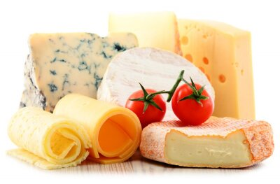 Vinilo Diferentes tipos de queso aislado en fondo blanco