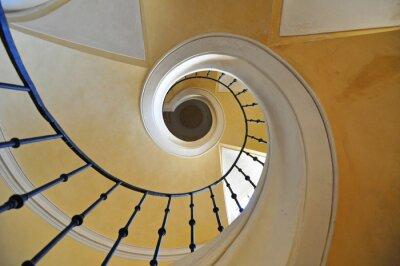 Vinilo Escalera de caracol elemento arquitectónico de un edificio histórico